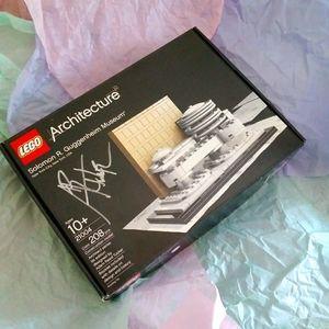 Lego SIGNED Architecture Guggenheim Museum Set